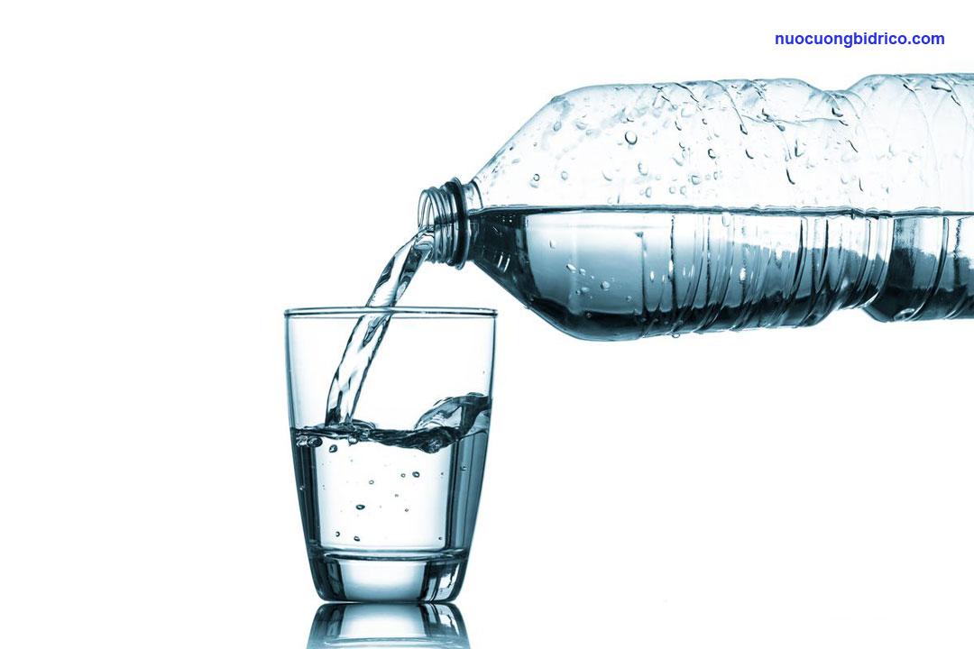 Nước tinh khiết Bidrico và TH True Water khác nhau như thế nào?