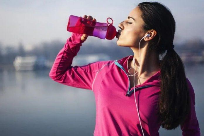 Thói quen uống nước